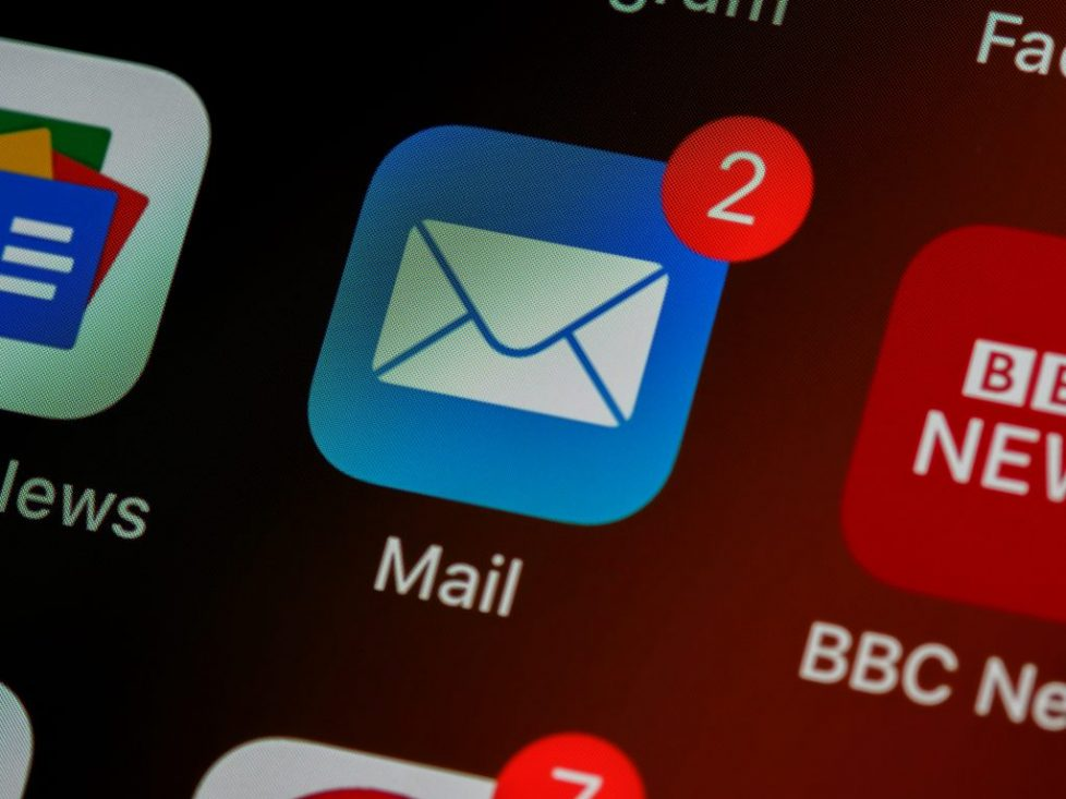 Apple iPhone email app icon | Email Copywriting